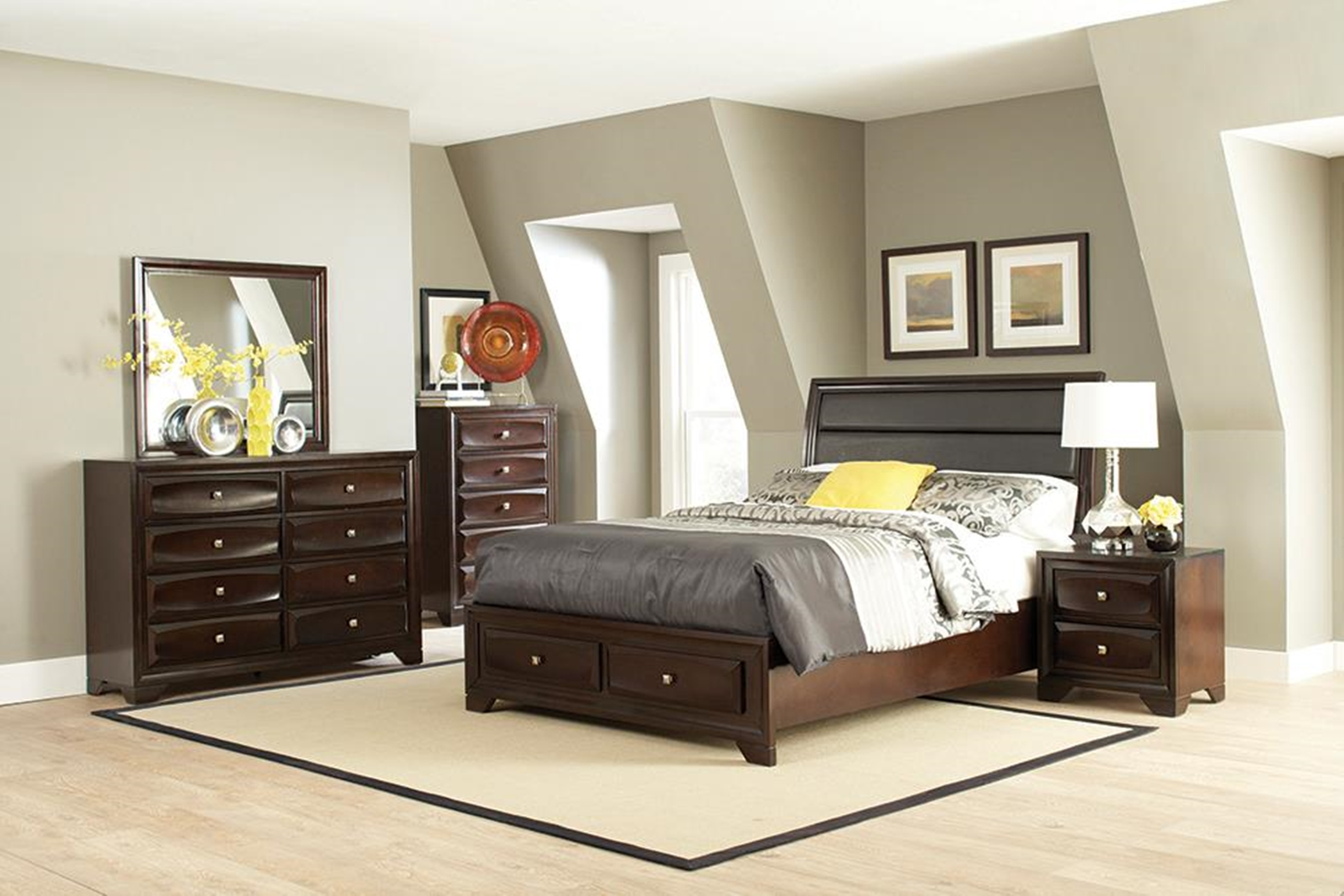 Jaxson Transitional Capp. Queen Bed