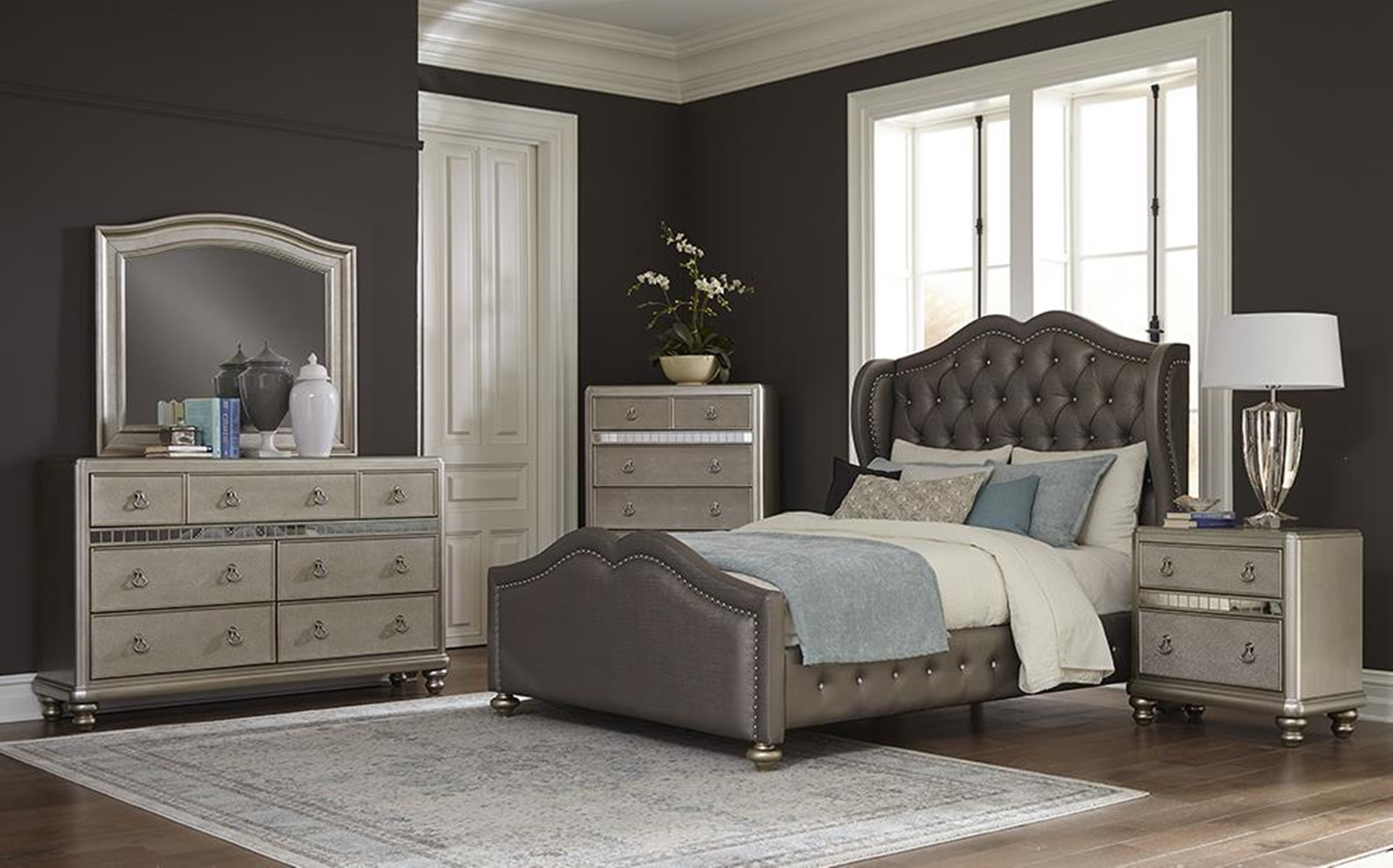Belmont 4pc Queen Bed Set