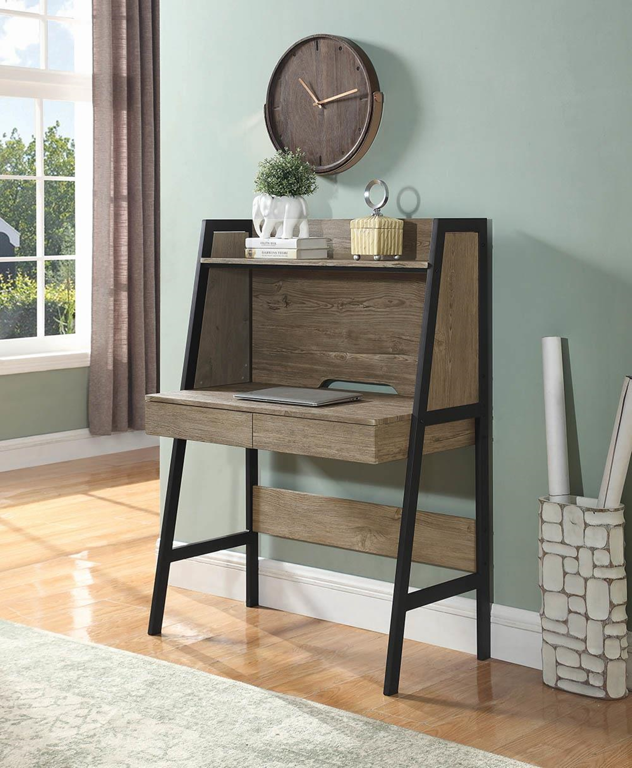 801928 - Writing Desk
