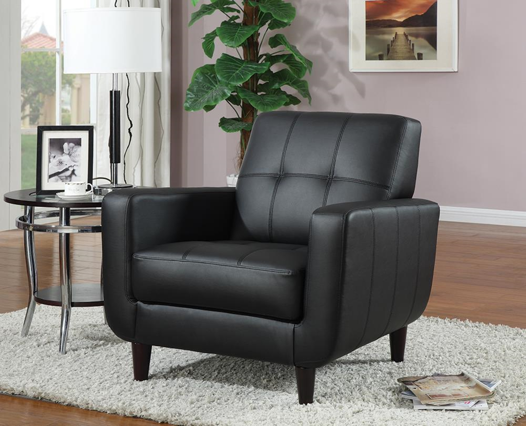 Casual Capp. Accent Chair