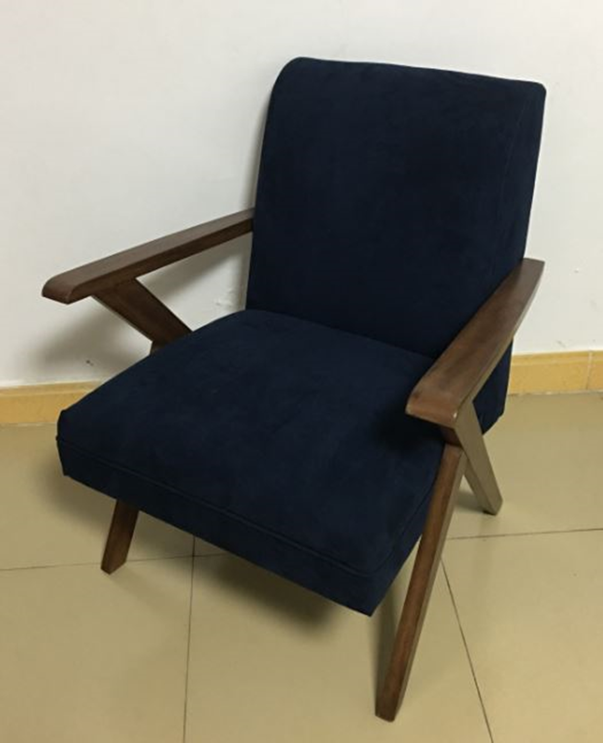 905415 - Accent Chair